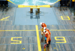 crew-service-02